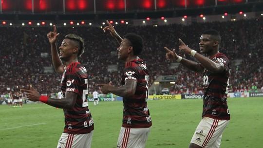 """Rafinha sobre os títulos do Flamengo: """"Que nós possamos seguir nessa batida de conquistas"""""""