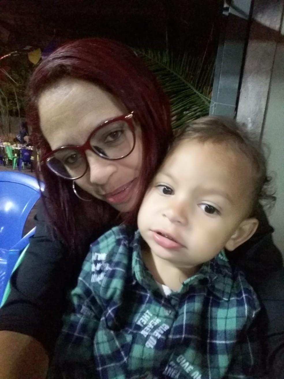 Bryan de dois anos encontrou celular e mãe faz post para devolver para verdadeiro dono, em Três Lagoas (MS). — Foto: Priscila Silva/Arquivo Pessoal