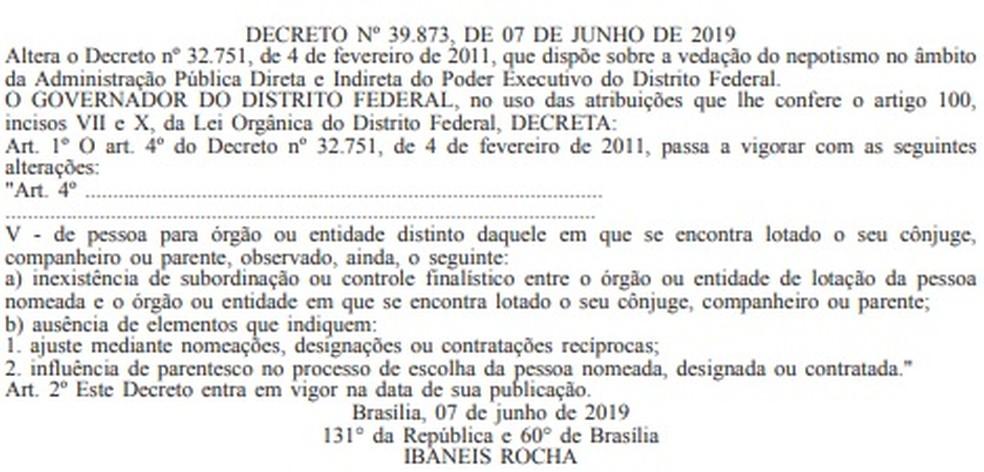 Trecho do Diário Oficial do DF que altera decreto sobre nepotismo — Foto: Reprodução