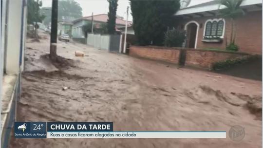 Temporal causa estragos e Prefeitura de São Simão, SP, decreta estado de calamidade pública