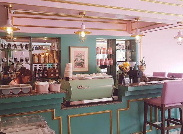 A elegância e a decoração vintage estão presentes no Café Congresso (Foto: Facebook/ Reprodução)