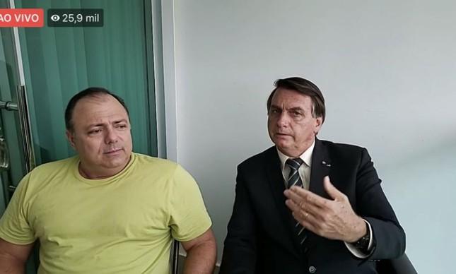 Com Covid, o ministro Eduardo Pazuello recebe Jair Bolsonaro