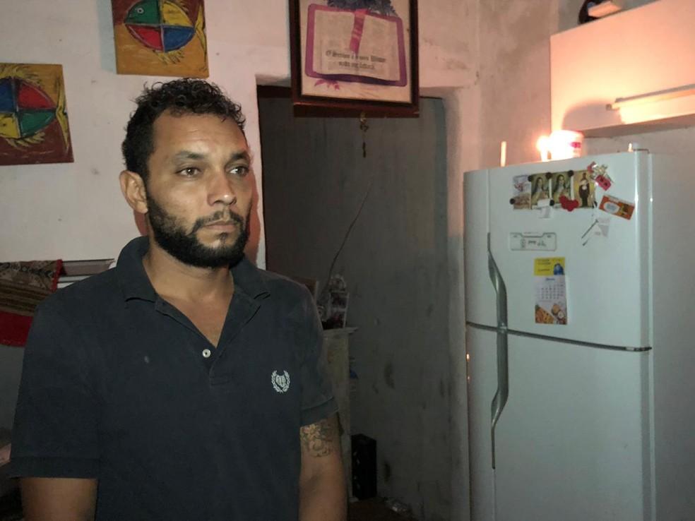 Olavo participou do resgate de três moradores de Guarujá (SP) — Foto: Glauco Araujo/ G1