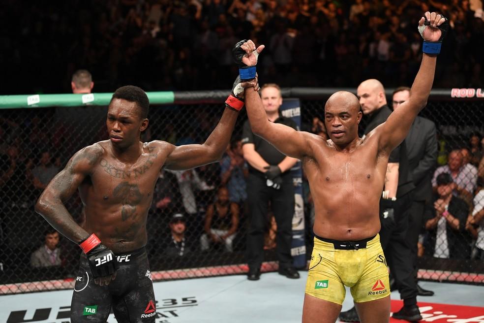 Israel Adesanya e Anderson Silva fizeram a luta principal do UFC 234 — Foto: Getty Images