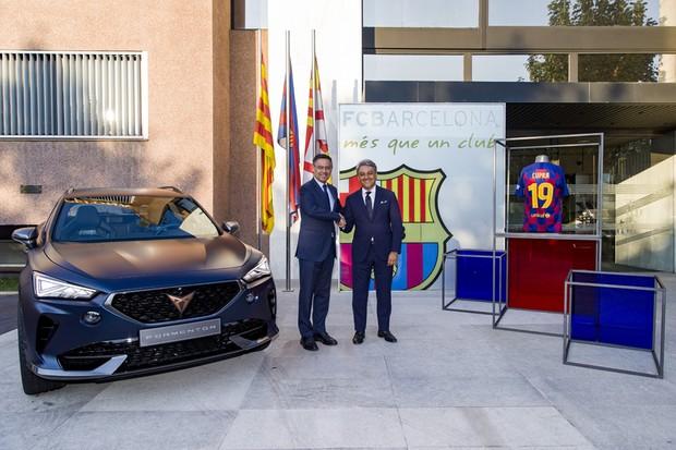 Cupra e Barcelona (Foto: Divulgação)