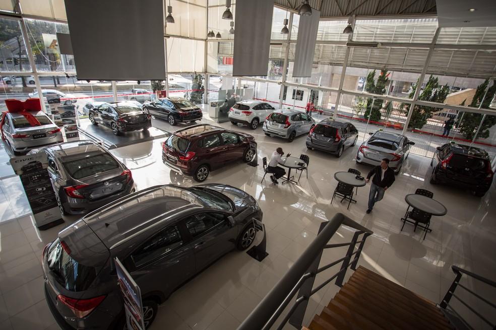 Concessionária de carros em São Paulo — Foto: Fábio Tito/G1