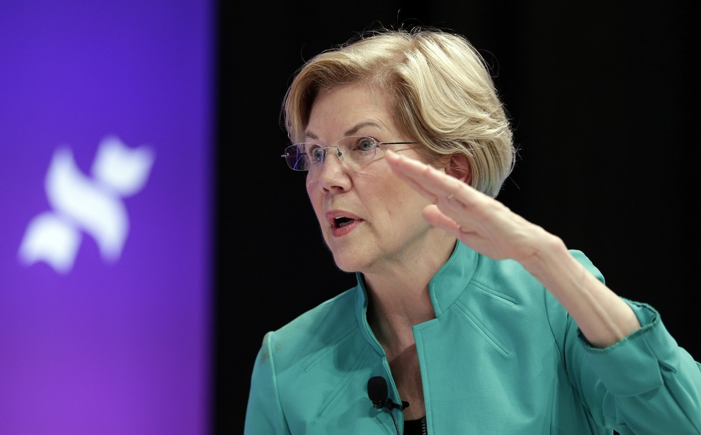 A pré-candidata democrata Elizabeth Warren. — Foto: Michael Wyke/AP