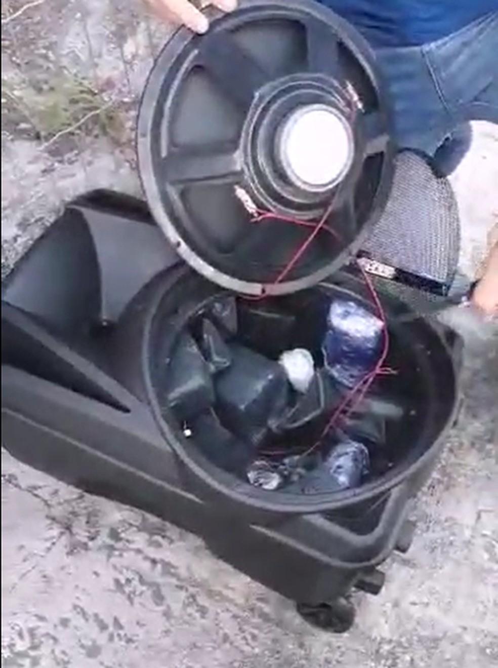 Droga foi encontrada dentro de caixa de som, em Natal — Foto: PF/Divulgação