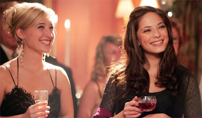 Allison Mack e Kristen Kreuk em cena de Smallville (Foto: divulgação)