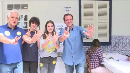 Candidato ao governo do RJ, Eduardo Paes vota na Zona Sul do Rio