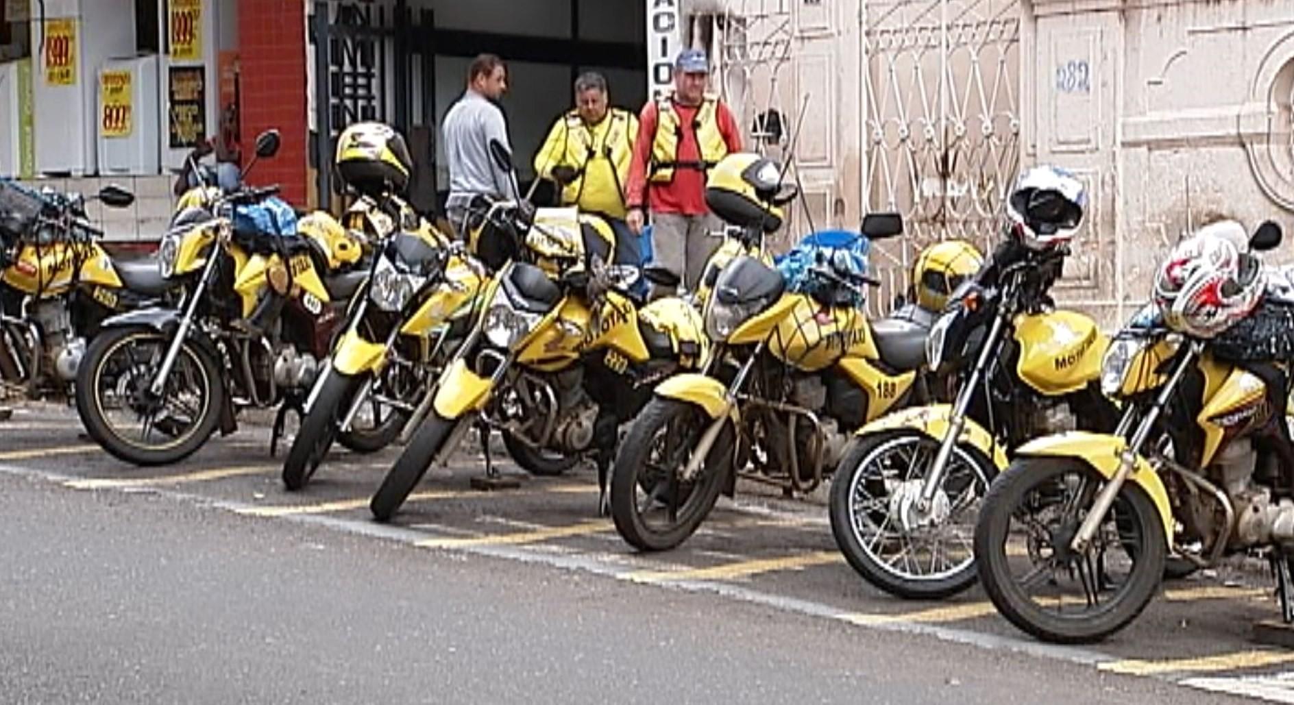 Vereadores aprovam alterações na lei que regulamenta atividades de mototaxista, motoboy e motofrete em Uberaba