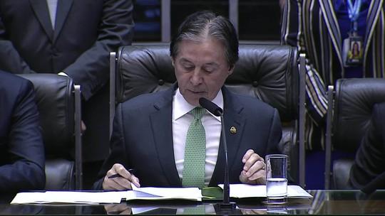 Congresso não aprovou 'pautas-bomba' nem deixou 'herança maldita', diz Eunício