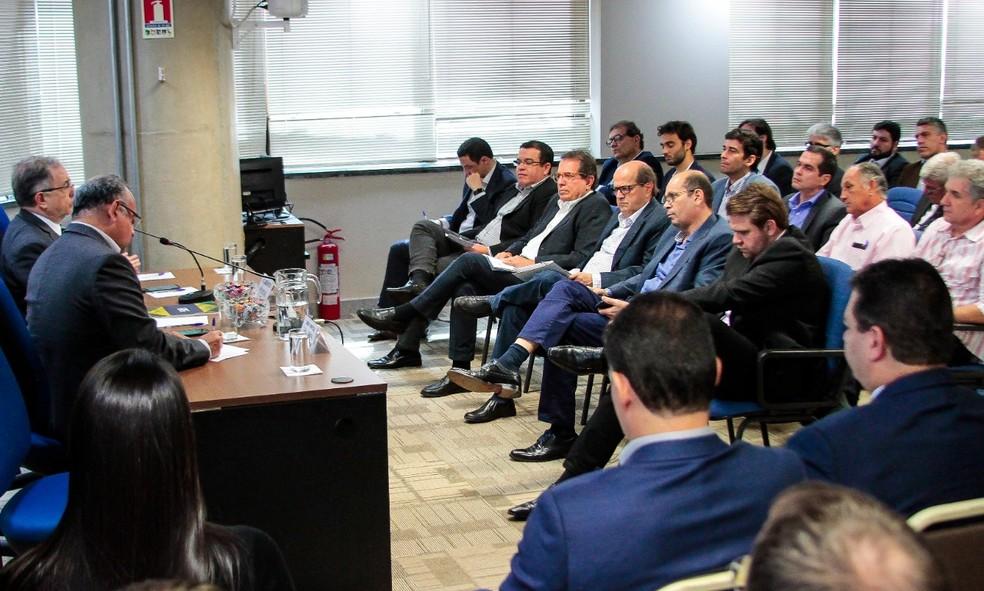 Empresários do setor de construção se reúnem para discutir atraso em repasses do governo ao Minha Casa Minha Vida, na sede da Cbic em Brasília — Foto: PH Freitas/Cbic