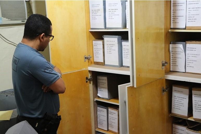 Fiscal de renda investigado na Operação Polhastro se apresenta e é preso