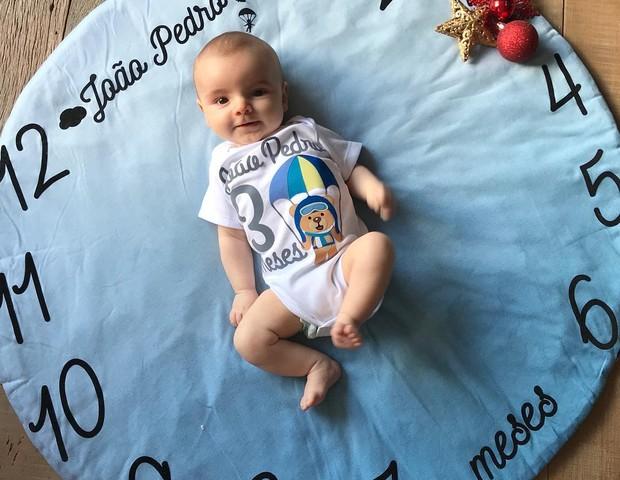 João Pedro comemorando mesversário de 3 meses (Foto: Reprodução Instagram)
