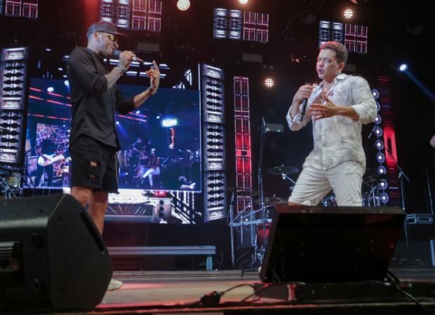 Daniel Alves e Wesley Safadão (Foto: Leco Viana/AgNews)