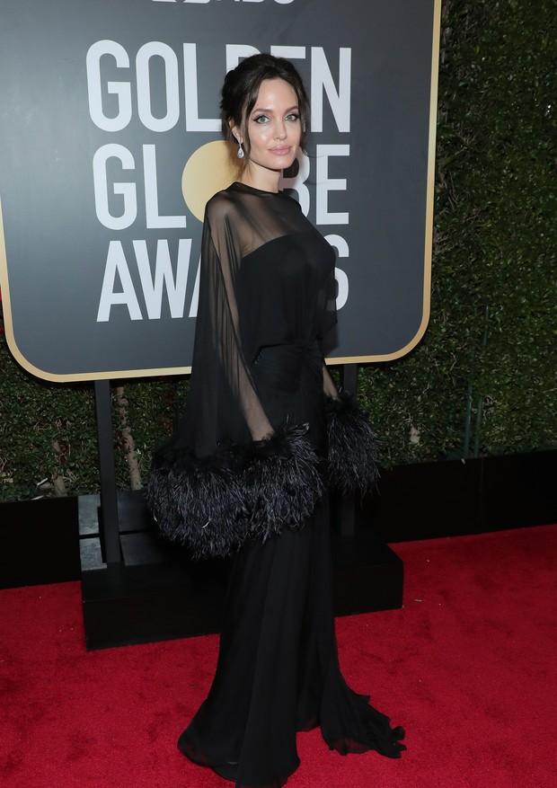 Angelina Jolie veste Yves Saint Laurent (Foto: Getty Images)