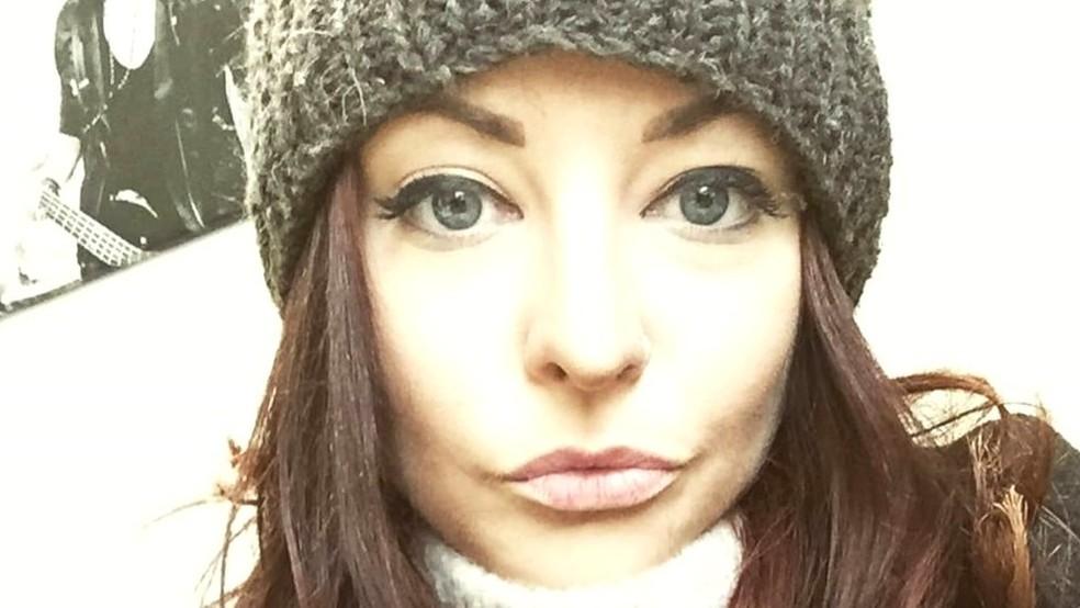 Liane já deixou de entrar em um bar porque uma menina que ela considerava mais bonita estava no local (Foto: BBC Three)