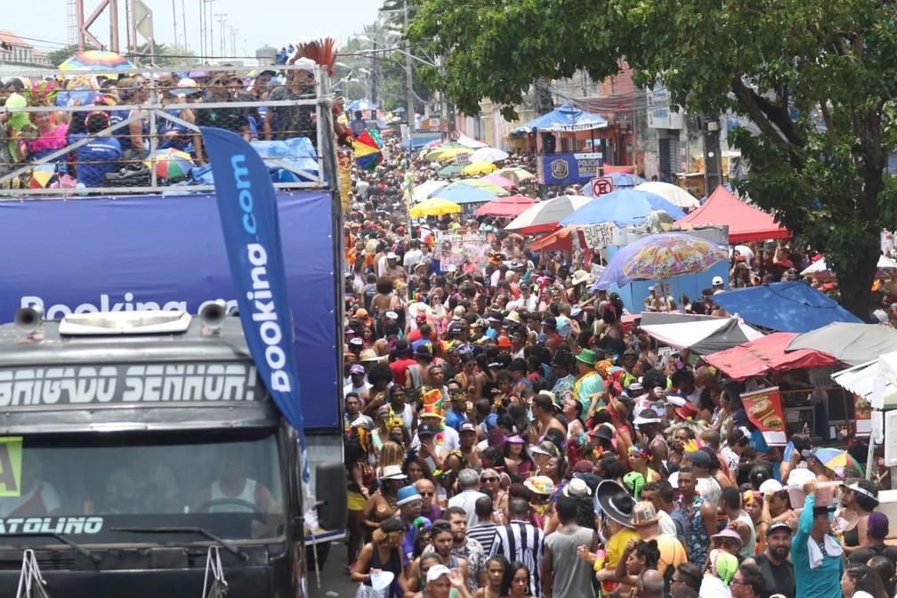 Galo da Madrugada reúne milhares de foliões no Recife — Foto: Aldo Carneiro/Pernambuco Press