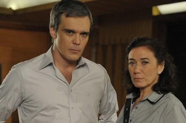 Lilia Cabral e Dalton Vigh em cena de 'Fina estampa' (Foto: Reprodução)