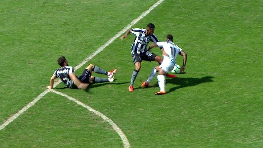 Ricci vê expulsão injusta de Gilson, do Botafogo, contra o Santos