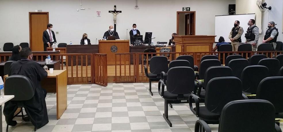 Julgamento terminou por volta das 20h30 dessa terça-feira (8) — Foto: Paula Alves/ Inter TV