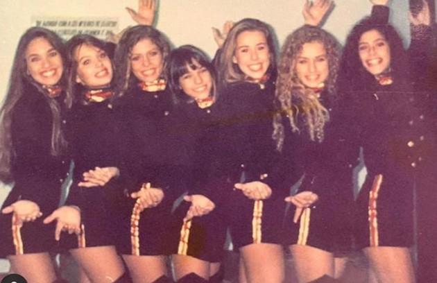 Em 1995, o Brasil foi apresentado ao terceiro grupo de Paquitas. Conhecidas como New Generation, as sete meninas trabalharam com Xuxa no 'Xuxa parque' até 1999. 25 anos depois, veja como elas estão (Foto: Reprodução Instagram)