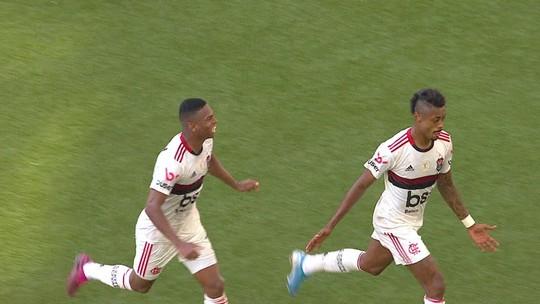 Após falha contra o Flamengo, Tiago defende Léo de críticas no Athletico e condena vaias