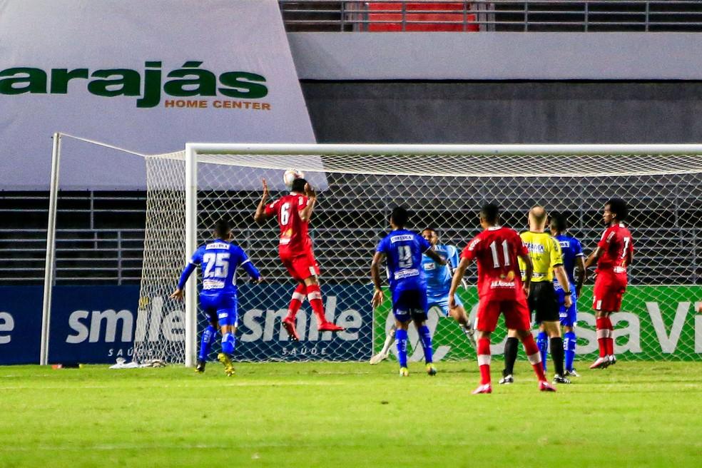 Igor Cariús só teve o trabalho de empurrar para o gol — Foto: Ailton Cruz/Gazeta de Alagoas