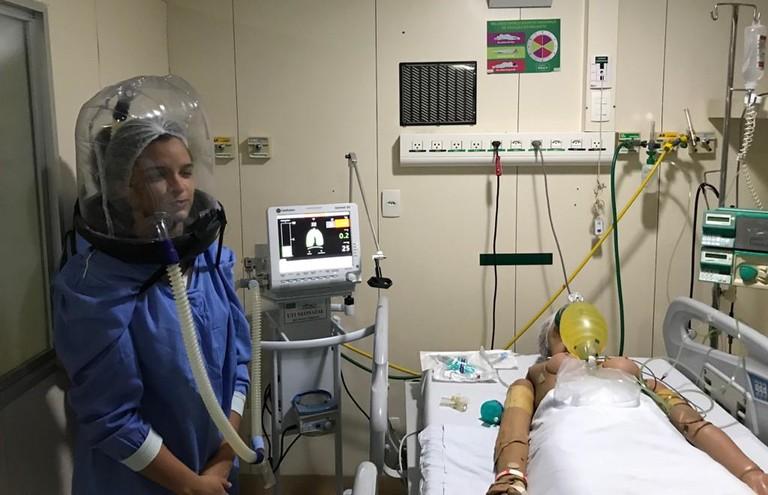 Capacete de ventilação para pacientes com Covid-19 é criado por pesquisadores da UFPB