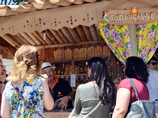 Café, biscoito e o jeito mineiro atraem turistas a São Tiago, MG (Foto: Samantha Silva / G1)