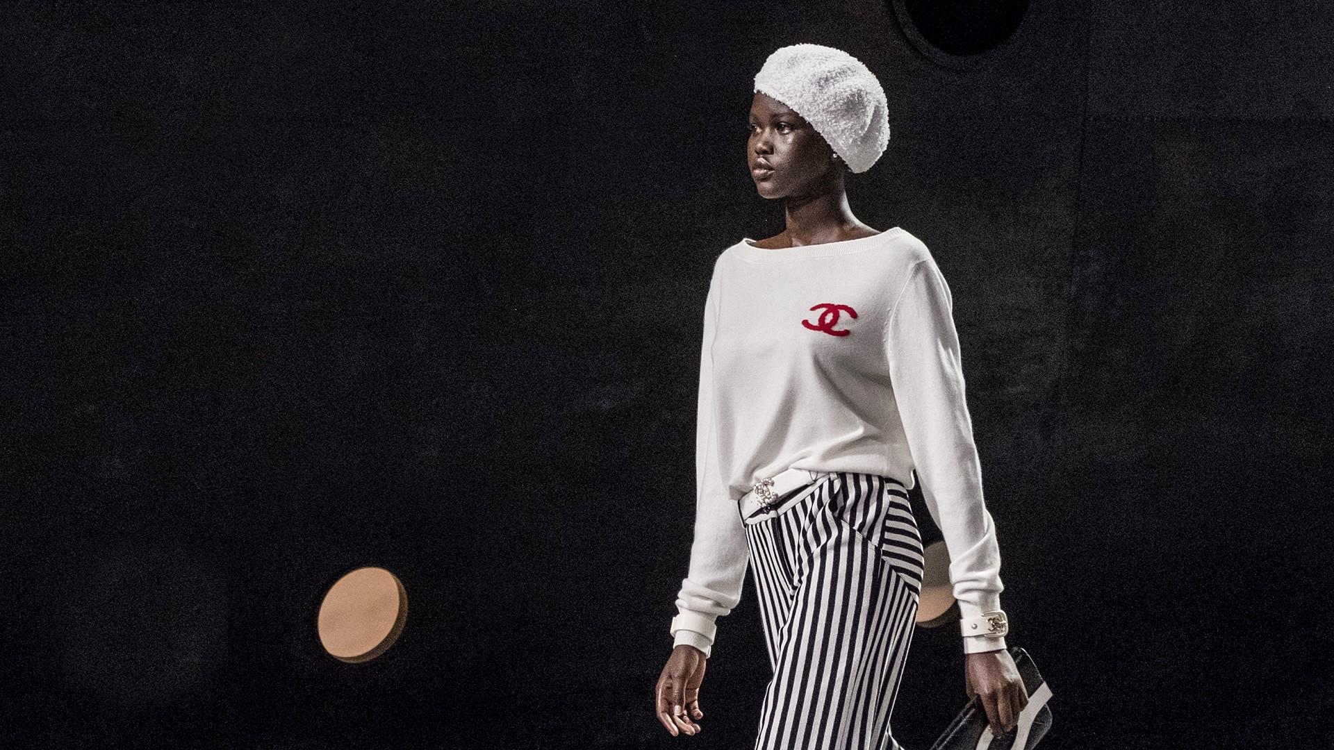 Suéter de cashmere da Barrie Knitwear, produtor escocês de cashemere da maison (Foto: Divulgação)