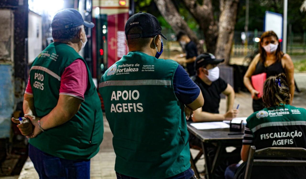Agefis fiscalizou 343 comércios desde o início do decreto de isolamento social rígido em Fortaleza; 12 foram interditados