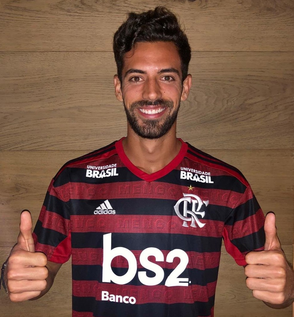 Pablo Mari foi anunciado pelo Flamengo e chega ao Rio de Janeiro no domingo — Foto: Divulgação