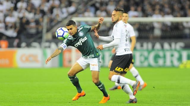Corinthians x Palmeiras: Dudu em disputa com Maycon