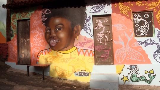 Moradores inspiram artistas no bairro Vila Embratel em São Luís