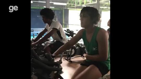 Em vídeo, Sarah Menezes mostra retorno às atividades físicas após romper ligamento; assista