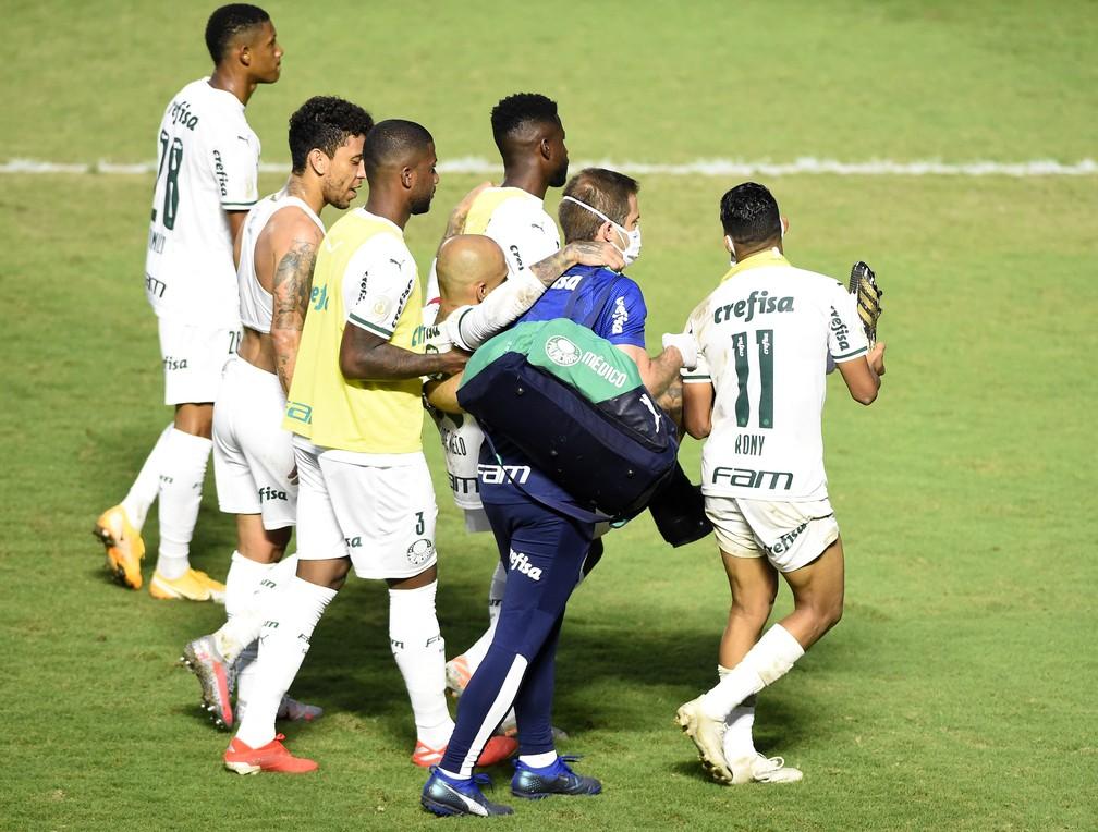 Felipe Melo tem fratura no tornozelo e desfalca o Palmeiras por até quatro  meses | palmeiras | ge
