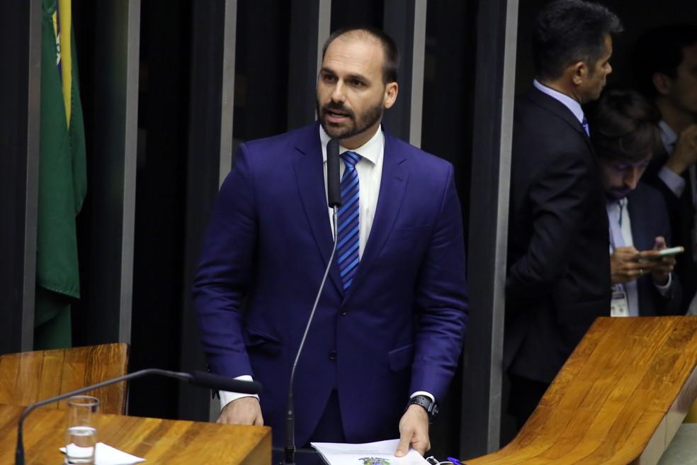 O deputado Eduardo Bolsonaro disse que se esquerda radicalizar o governo pode responder com novo AI-5 — Foto: Luís Macedo / Câmara dos Deputados