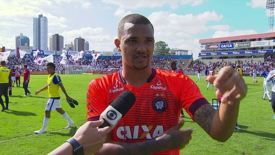 """Zagueiro do Atlético-PR chama Paraná de """"time pequeno"""" e gera reação nos bastidores"""