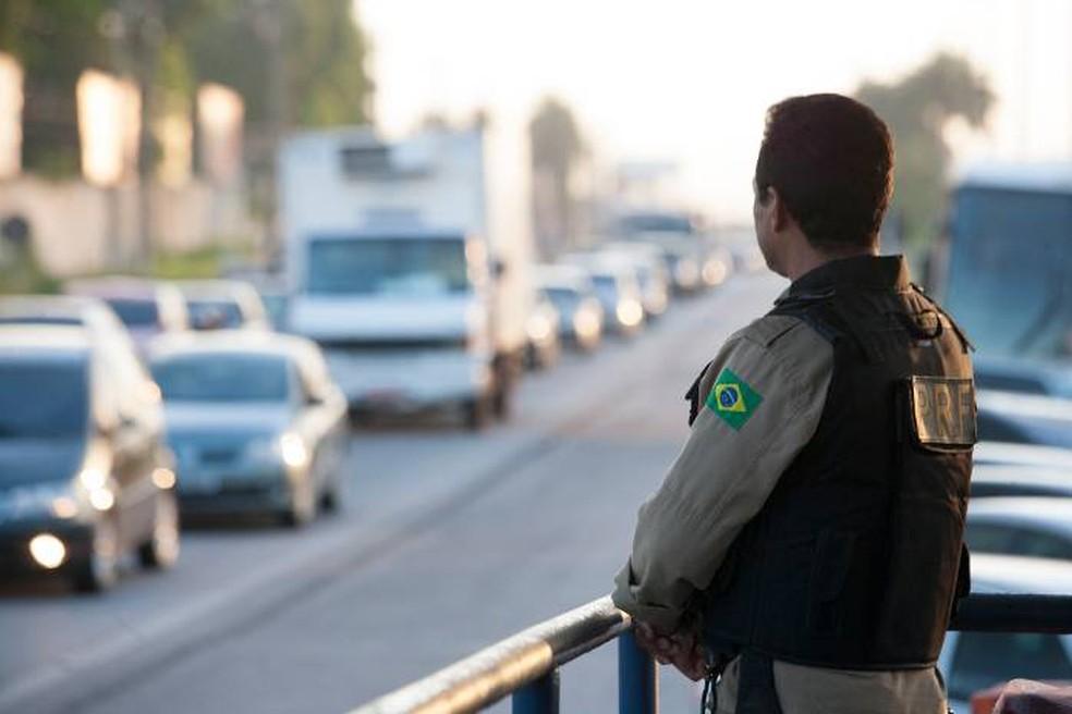 Até domingo (15), quase 5 mil veículos foram fiscalizados por agentes da PRF. (Foto: Claudio Pinheiro/Amazônia Jornal)