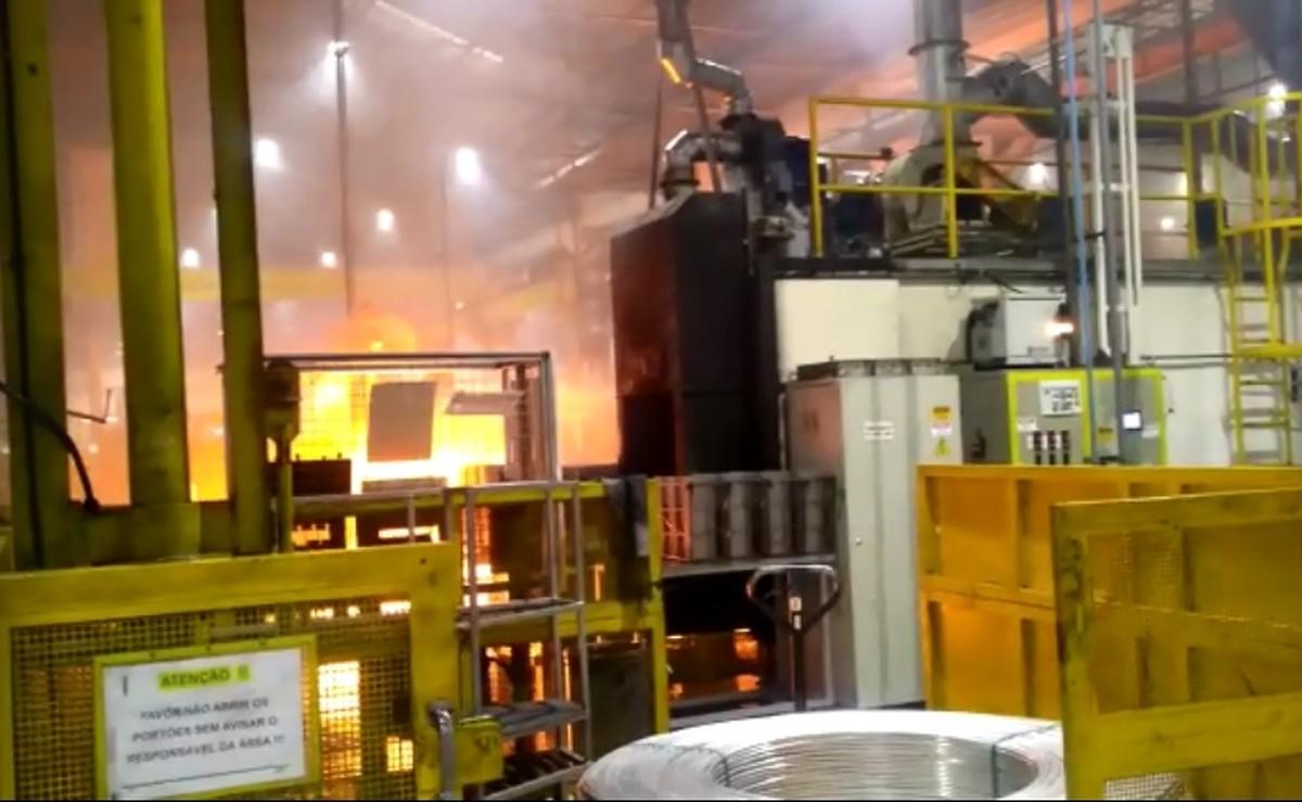 Incêndio atinge fábrica de peças automotivas em Itatiba - G1