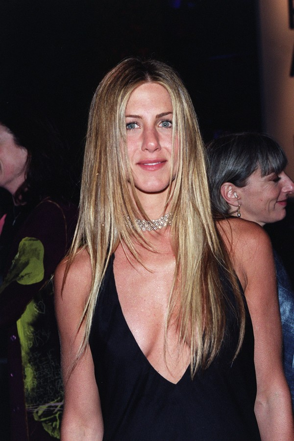 Jennifer Aniston at the Vanity Fair Party held at Morton's for the 72nd Annual Academy Awards. 3-26-00  Hollywood, CA  Photo: Evan Agostini/ImageDirect (Foto: Getty Images)