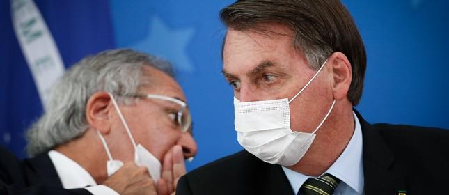 Paulo Guedes e Jair Bolsonaro em entrevista sobre o coronavírus