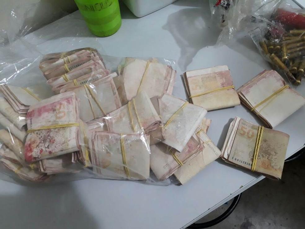 No interrogatório, Lima confessou que o dinheiro era oriundo da explosão do caixa eletrônico no supermercado Val Querendo, em Rio Branco (Foto: Divulgação/Polícia Civil )