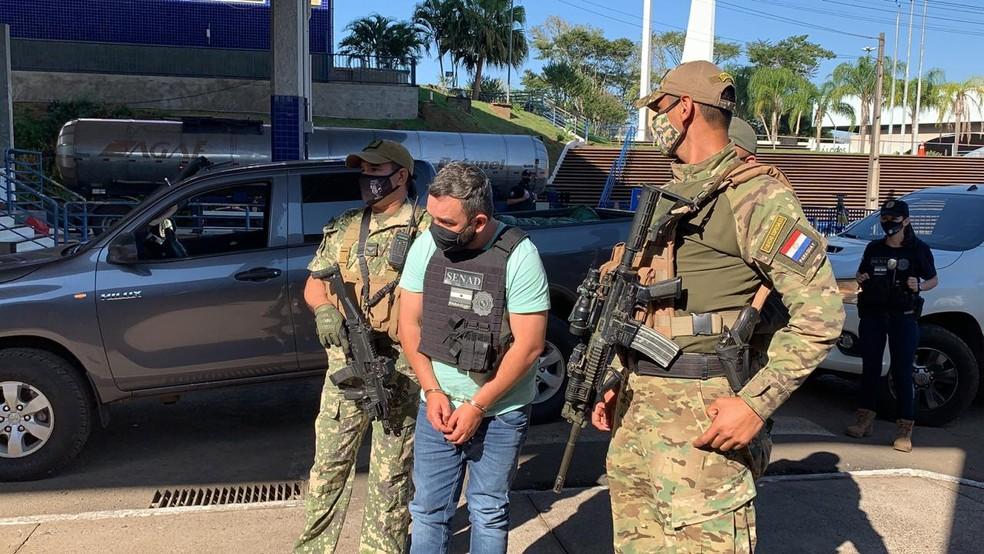 Fabrício foi expulso do Paraguai e entregue às autoridades brasileiras, em Foz do Iguaçu — Foto: Marcos Landim/RPC