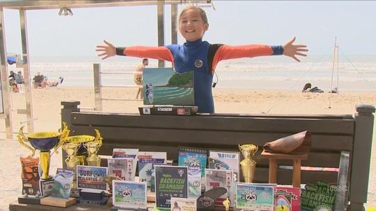 Do tsunami no Japão às ondas no Brasil: troféus e empadas amparam sonho de surfista mirim