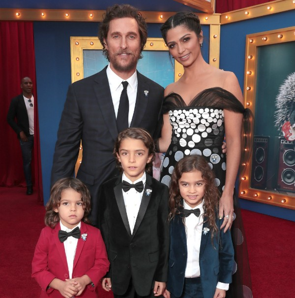 Matthew McCnonaughey, Camila Alves e os filhos (Foto: Getty Images)