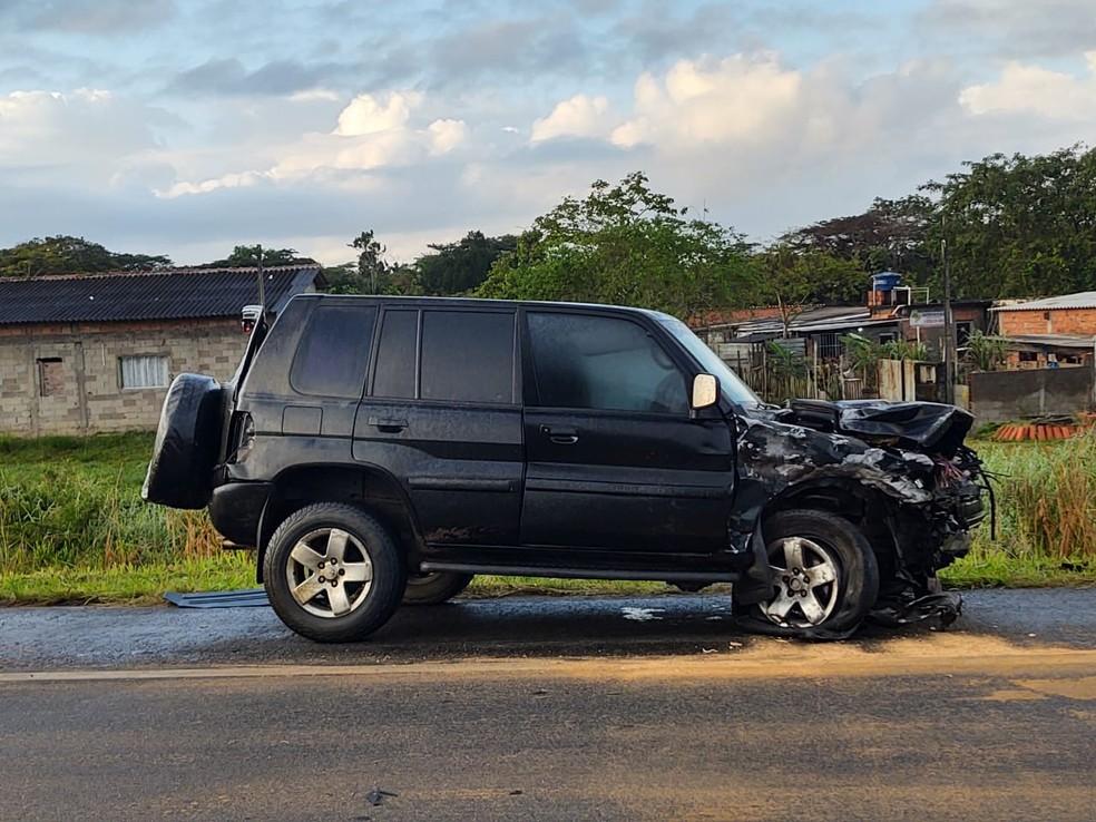 Condutor do carro esportivo não quis fazer o teste do bafômetro após acidente na rodovia Padre Manoel da Nóbrega, SP — Foto: Divulgação/Polícia Rodoviária