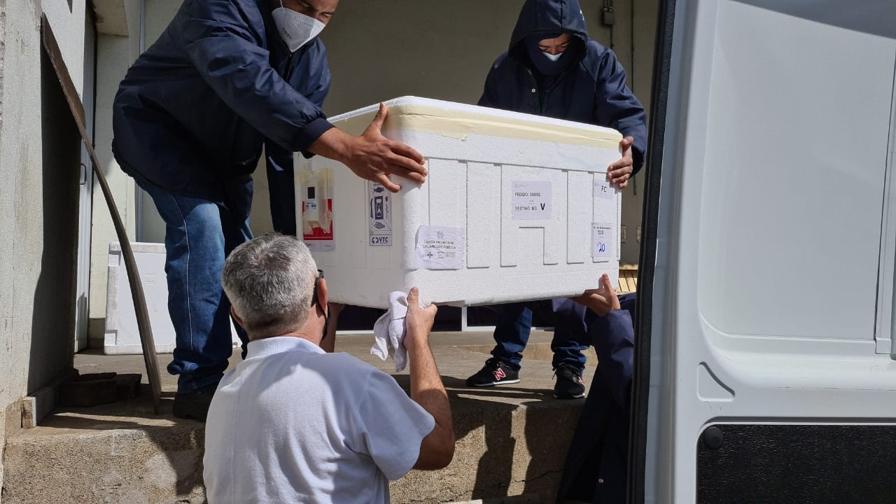 Vacinas contra a Covid-19: municípios do Centro-Oeste recebem mais 27 mil doses do 19º lote distribuído pelo Estado